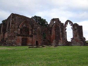 cathedral ruin-962611_1280